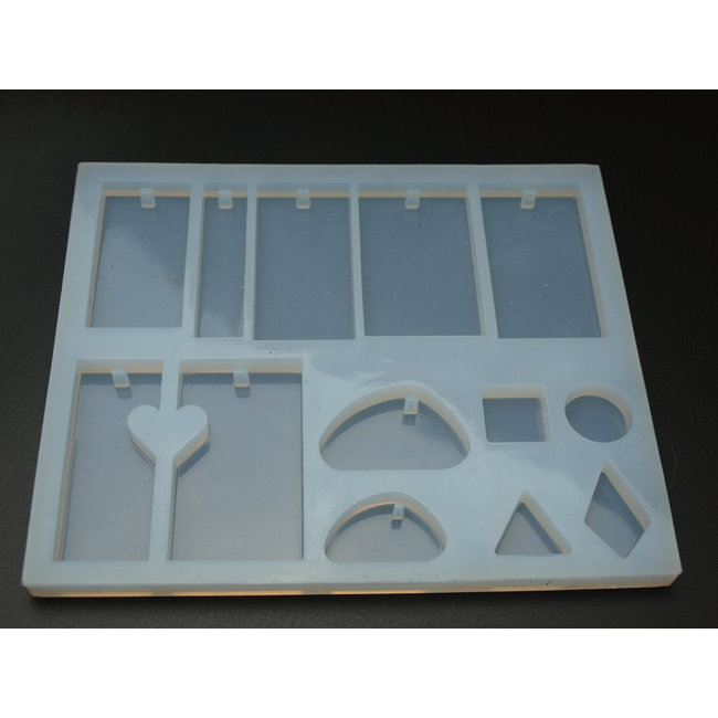 Silicone mold (05) with various shapes for pendants