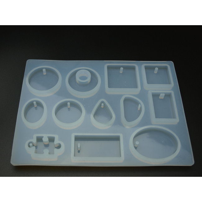 Silicone mold (06) with various shapes for pendants
