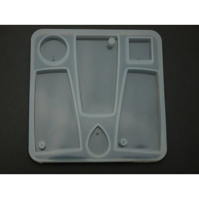 Silicone mold (29) with various shapes for pendants