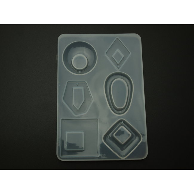 Silicone mold (30) for pendants geometric shapes