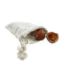 Leetje Cotton washbag for ussing soapnuts.
