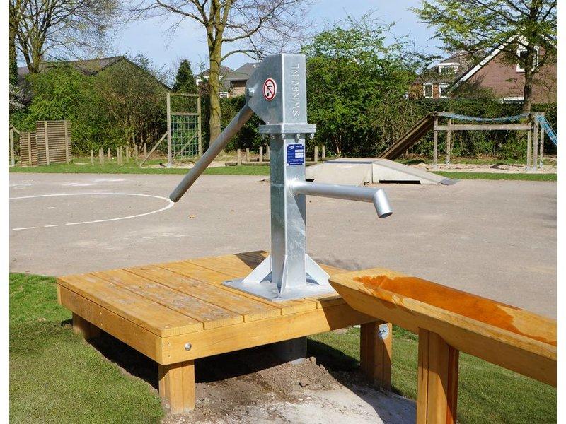 Houtplezier Waterpomp met platform