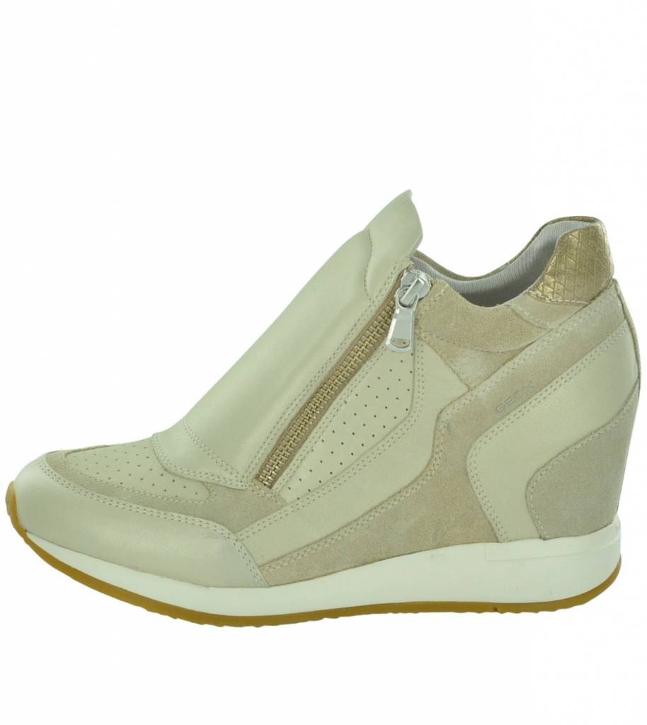 D620QA Nydame Women's Wedge Trainers