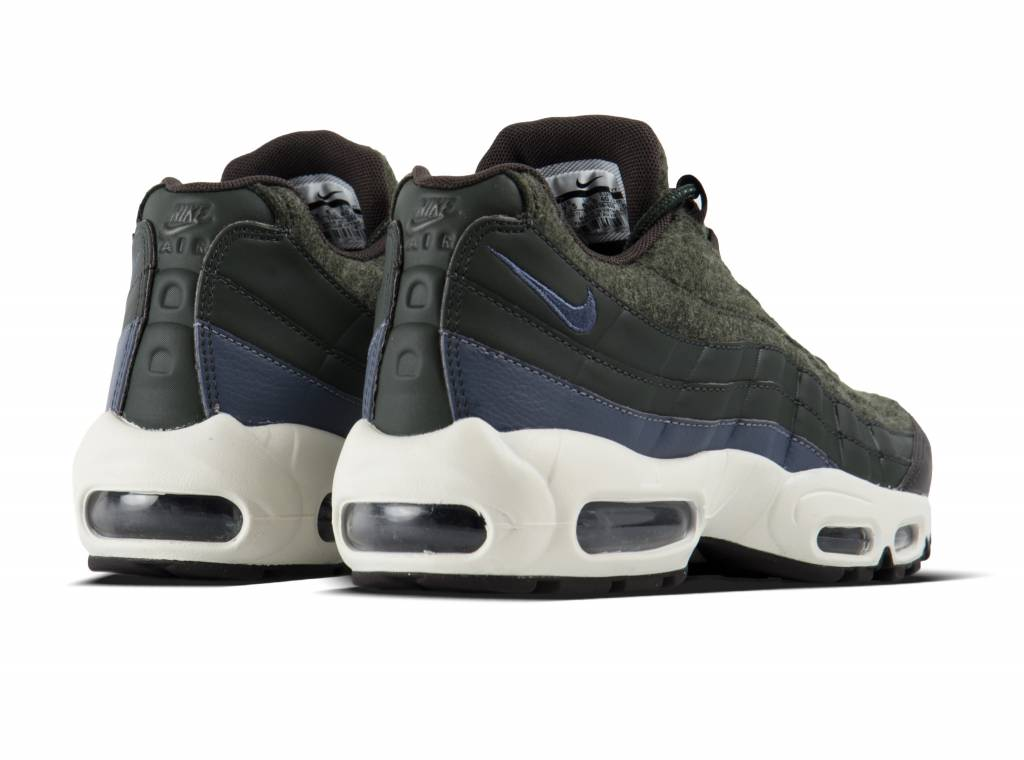 Nike Air Max 95 Premium (Sequoia Light Carbon Velvet