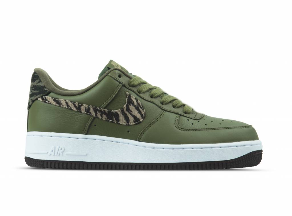 Air Force 1 AOP PRM Medium Olive Khaki AQ4131 200