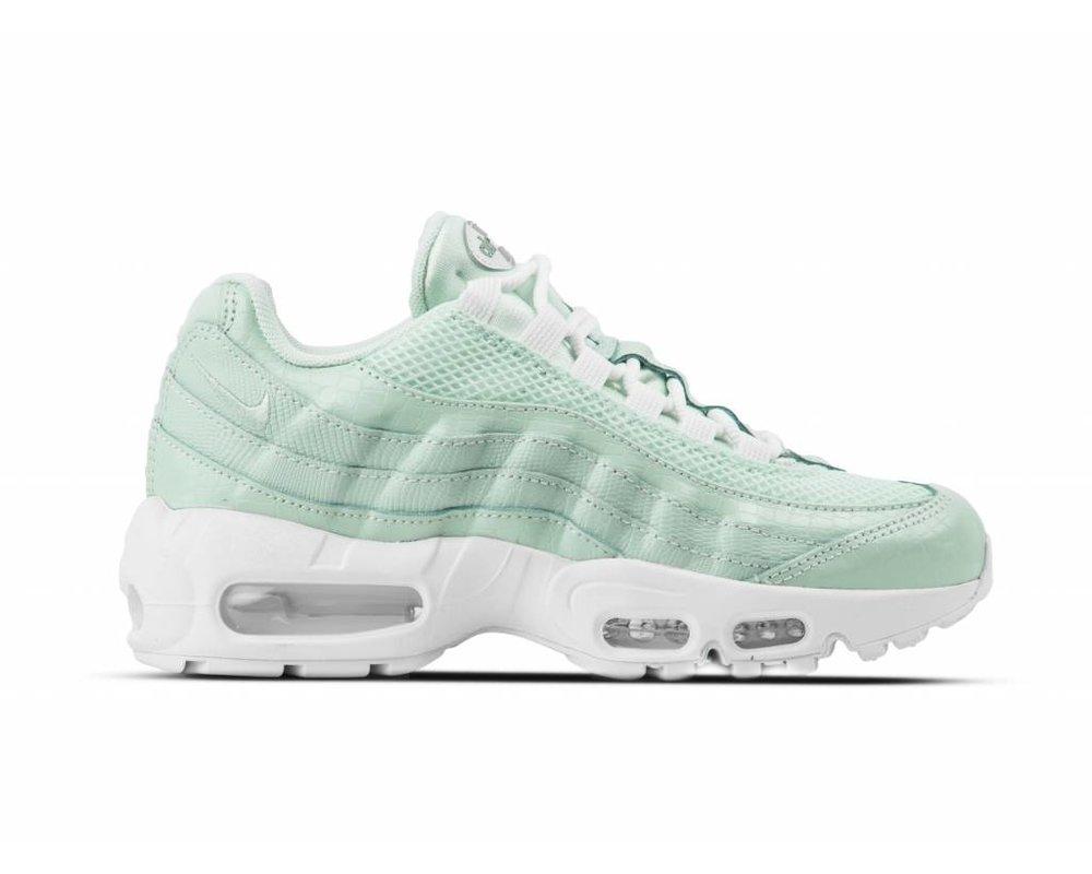 Nike Wmns Air Max 95 Premium   Green   Sneakers   807443 300