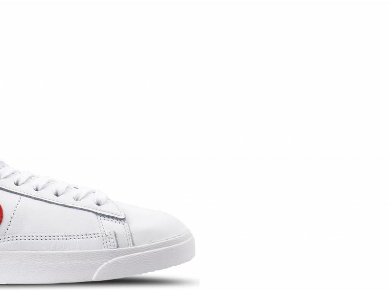W Blazer Low LE White Habanero Red AA3962 109