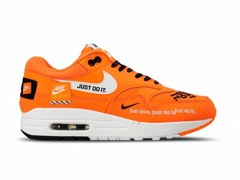 f6e8e355b488ed Nike WMNS Air Max 1 Lux Total Orange White Black 917691 800