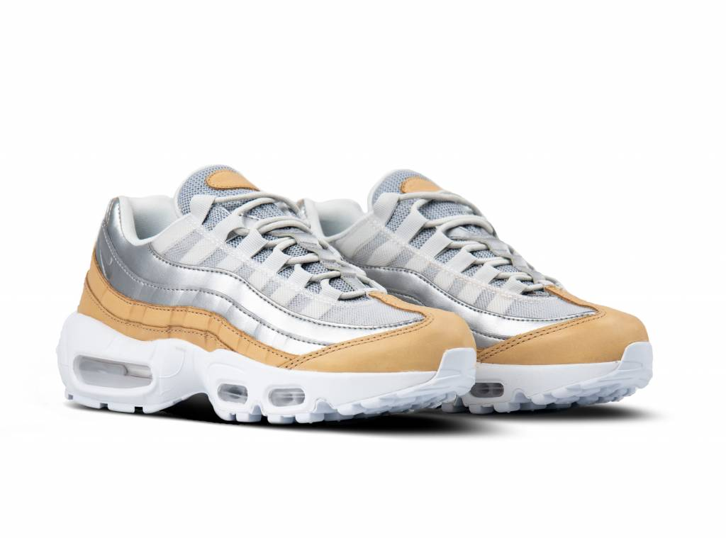 Nike Air Max 95 LX Women's Shoe Size 5 (Pure Platinum