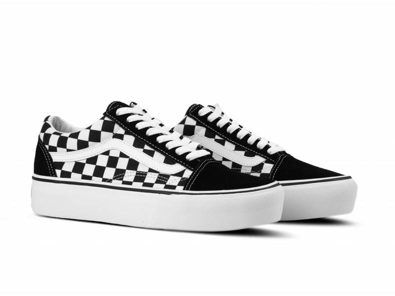 3a4bbd491a7 Vans Old Skool Platform Checkerboard Black True white VN0A3B3UHRK ...