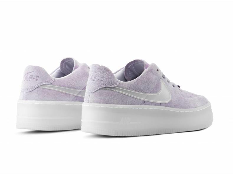 W AF1 Sage Low LX Violet Mist Violet Mist AR5409 500