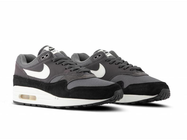 c61ca6e757 Nike Air Max 1 Thunder Grey Sail Sail Black AH8145 012 | Bruut ...
