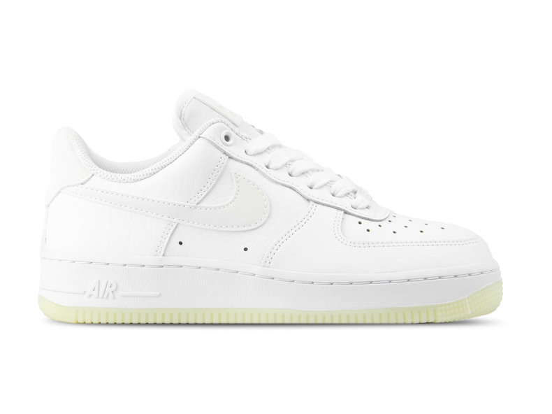 on sale ce2fa f0ff3 WMNS Air Force 1  07 ESS White White White AO2132 101