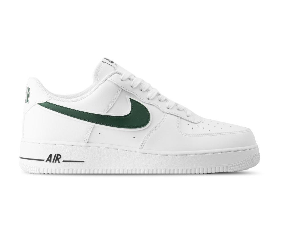 Nike Air Force 1 07 Premium W schoenen rood in de WeAre Shop