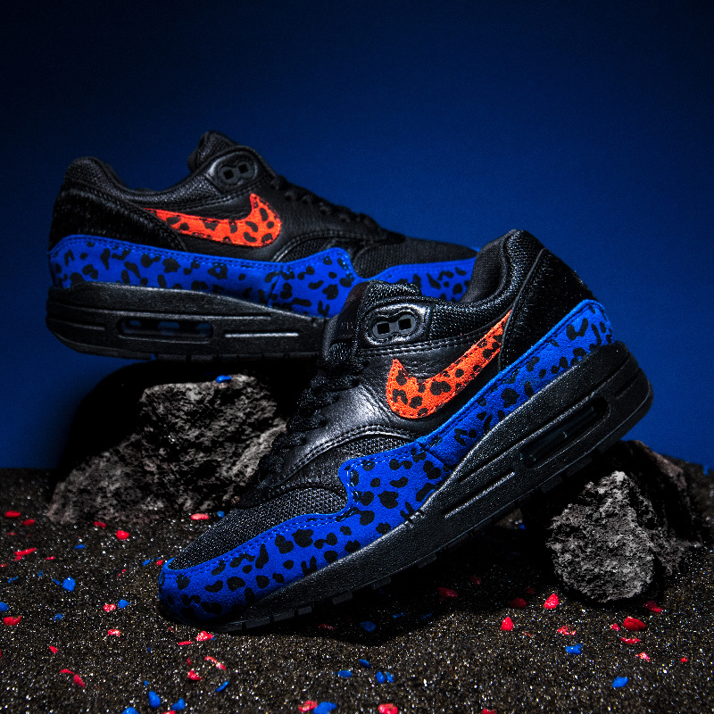 Nike Black Leopard Pack