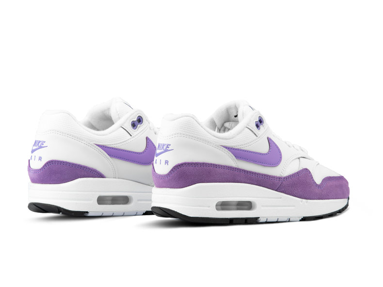 new arrival 93233 ec2be WMNS Air Max 1 Summit White Atomic Violet Black 319986 118