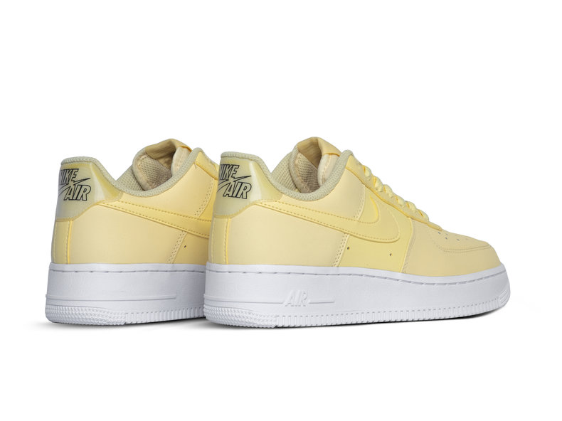 WMNS Air Force 1 '07 Ess Bicycle Yellow Bicycle Yellow AO2132 701