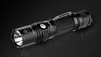 Review - Fenix PD35 TAC Zaklamp