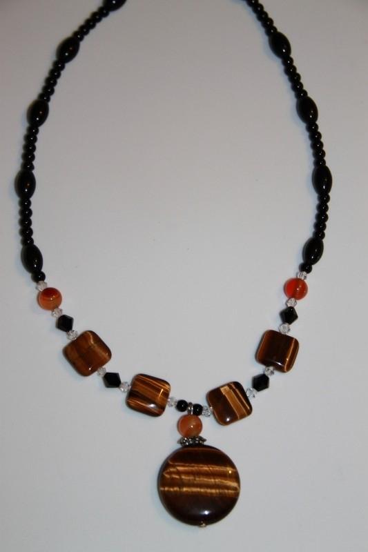 Ketting met tijgeroog amulet