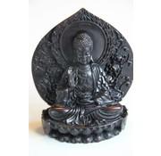 Boeddha op lotus met bloemen achterwand - 14 cm