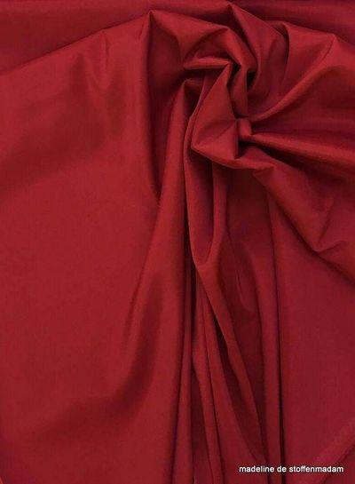Venezia red stretch lining
