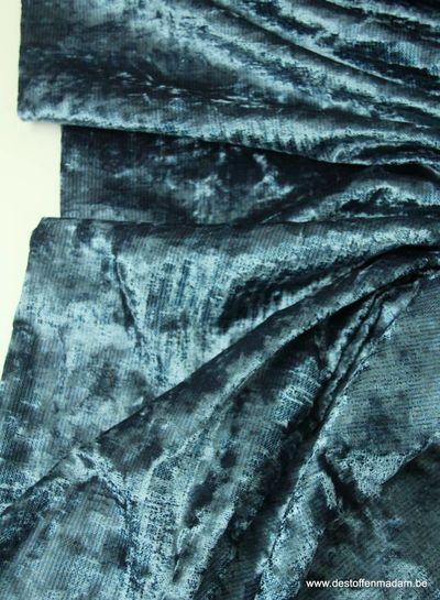 subtiel gestreept blauw - velvet