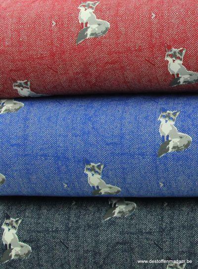 bordeaux sweater met vosjes en tweed achtergrond