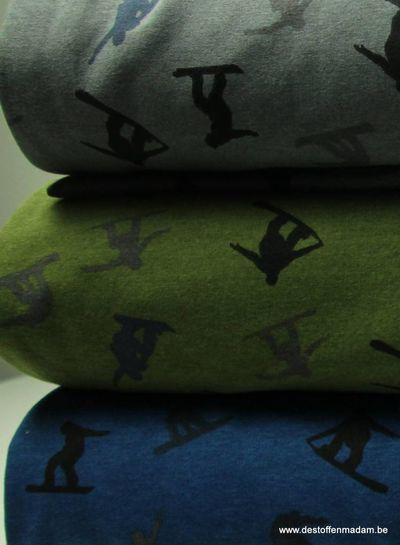 khaki sweater met snowboard silhouettes