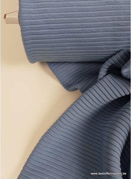 babyblauw - relief structuur tricot