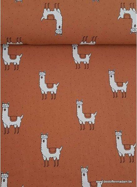 rusty llama   -cotton