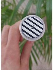 25 mm blue-white striped button
