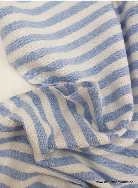 250 cm - lichtblauwe streepjes  - washed linnen mix