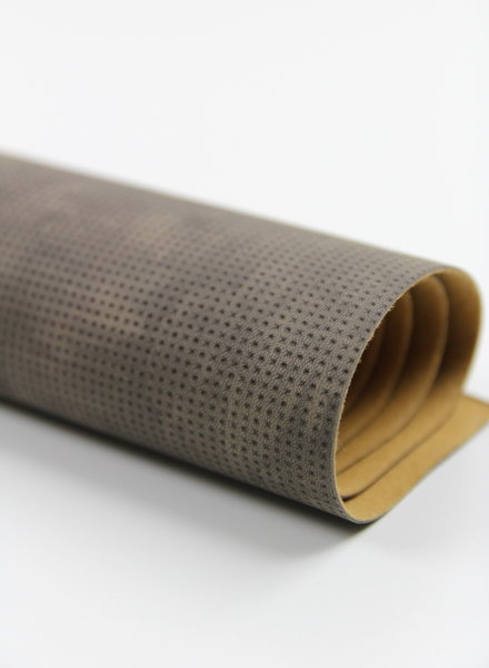 Bruine stipjes - tassen leer