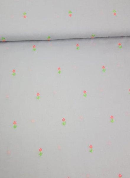 Copy of wit - geborduurde neon bloemen op katoen voile