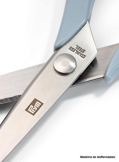 pinking scissors