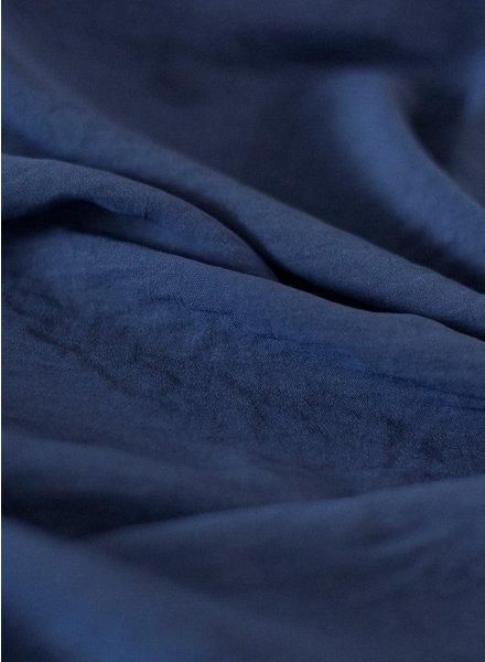 Fibremood navy - soepelvallende stof met textuur
