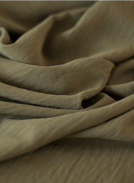 Fibremood kaki - soepelvallende stof met textuur