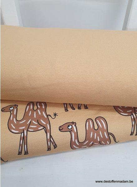 camel BOORDSTOF - Eva Mouton