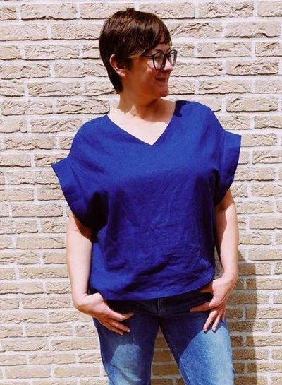 Een kobaltblauwe Ida top