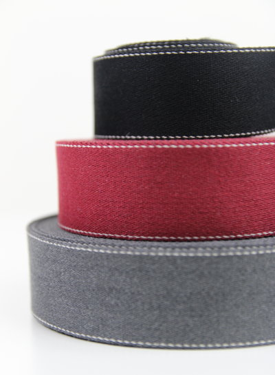 Topstitched straps - different colors