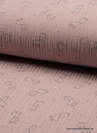 baby giraffe dusty pink - triple gauze muslin