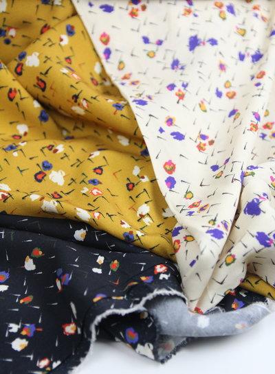 Fibremood creme abstracte bloemen - viscose