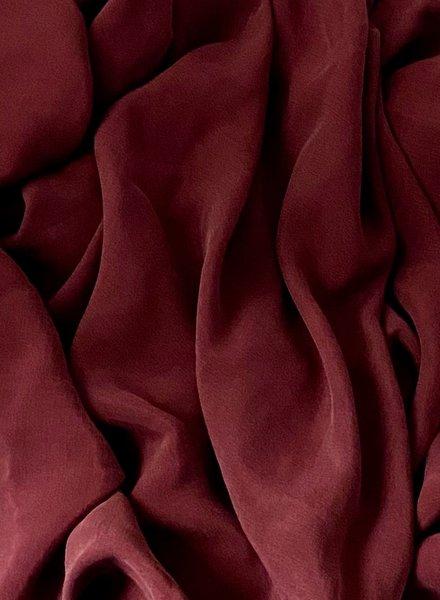 Ipeker - Vegan Textile bordeaux - cupro viscose - zijdezachte stof