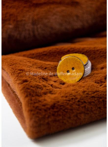 faux-fur cognac