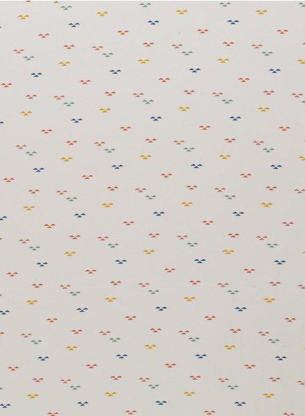 Swafing ecru  kleine gekleurde driehoekjes - interlock tricot