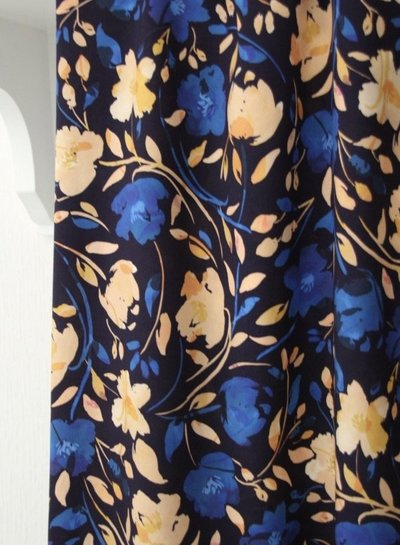Atelier Jupe Dark blue  with blue and salmon pink flower print - viscose