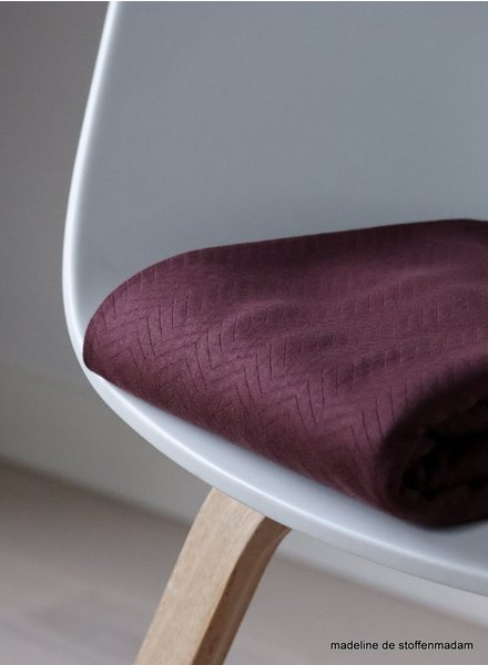 Mind The Maker organic chevron quilt bordeaux  - doorstikte stof