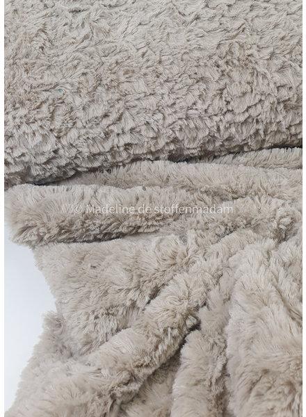 fluffy / imitatie vacht / pels beige