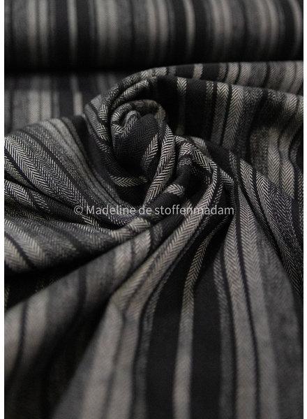 Herringbone stripes - viscose blend - ideaal voor broeken of rokken
