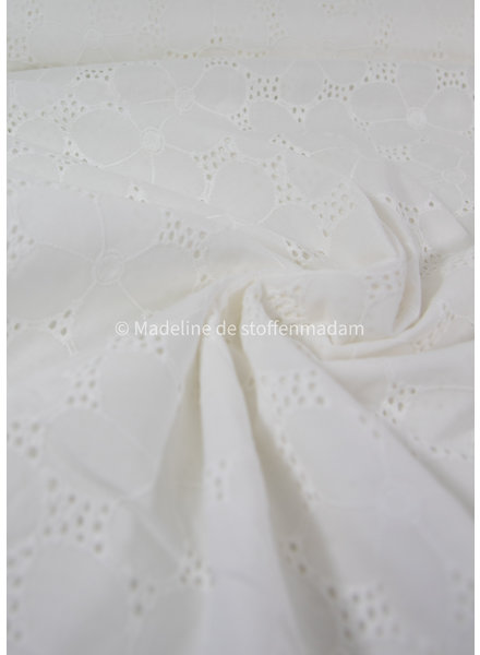 nice embroidery cotton - big flower - offwhite